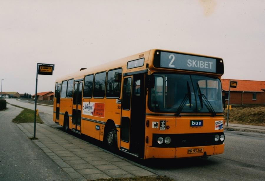 Bus Danmark 3021/MR93261 på Carl Nielsensvej i Vinding ved Vejle i 1999