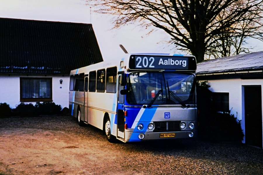 Combus 8079/NB97694 i Nørhalne i 1997
