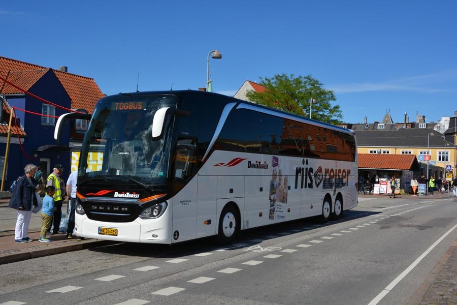 Dania Turist 2/BK26489 ved Helsingør Station den 4. juli 2017