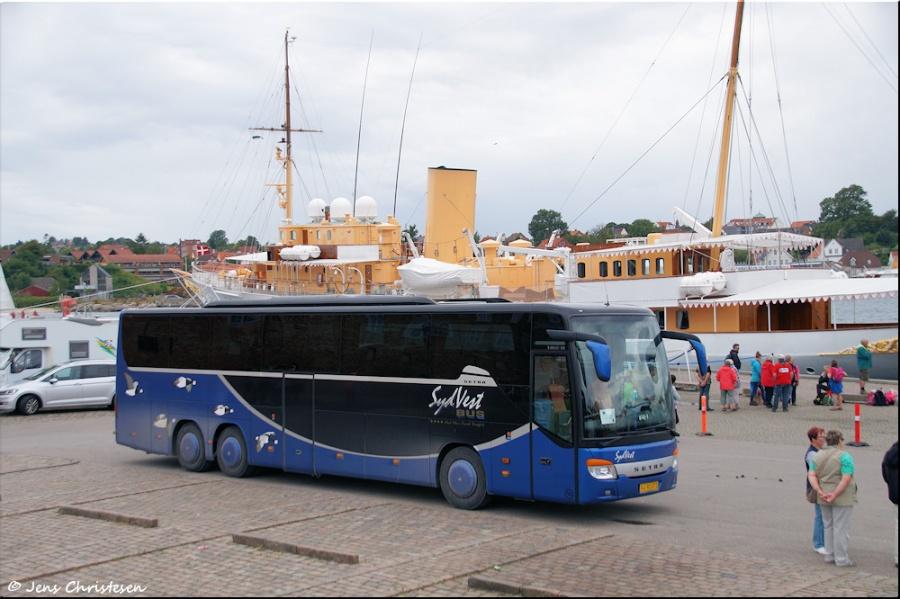 SydVest-Bus 16/VJ92072 ved Sønderborg slot den 28. juli 2017