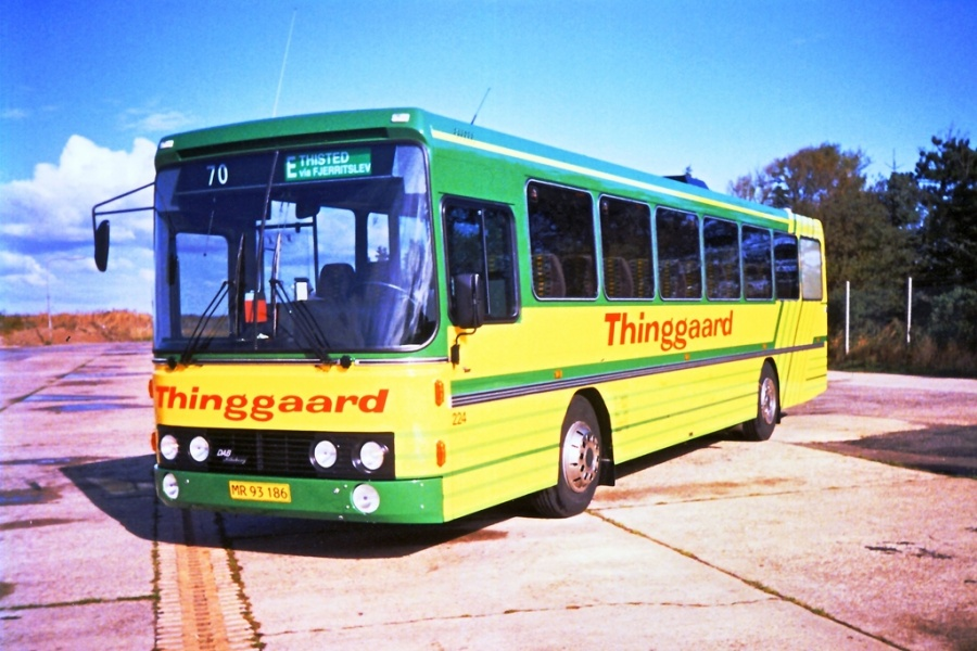 Thinggaard 224/MR93186 ved Egholm Færgen i Aalborg i maj 1995