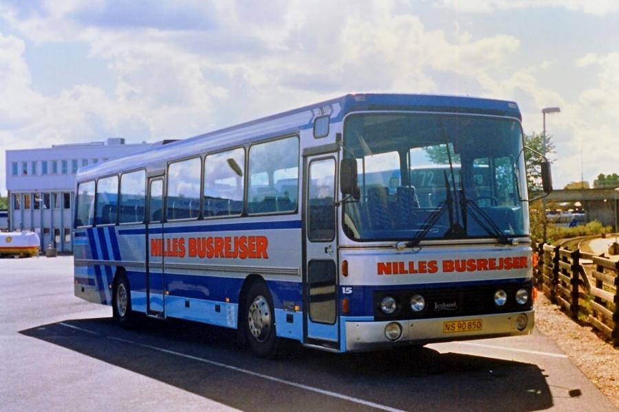 Nilles Busrejser 15/NS90850 ved Aalborg Rutebilstation