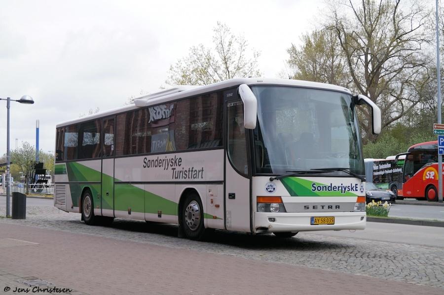 Sønderjyske Turistfart AY58035 ved ZOB i Flensburg den 26. april 2018