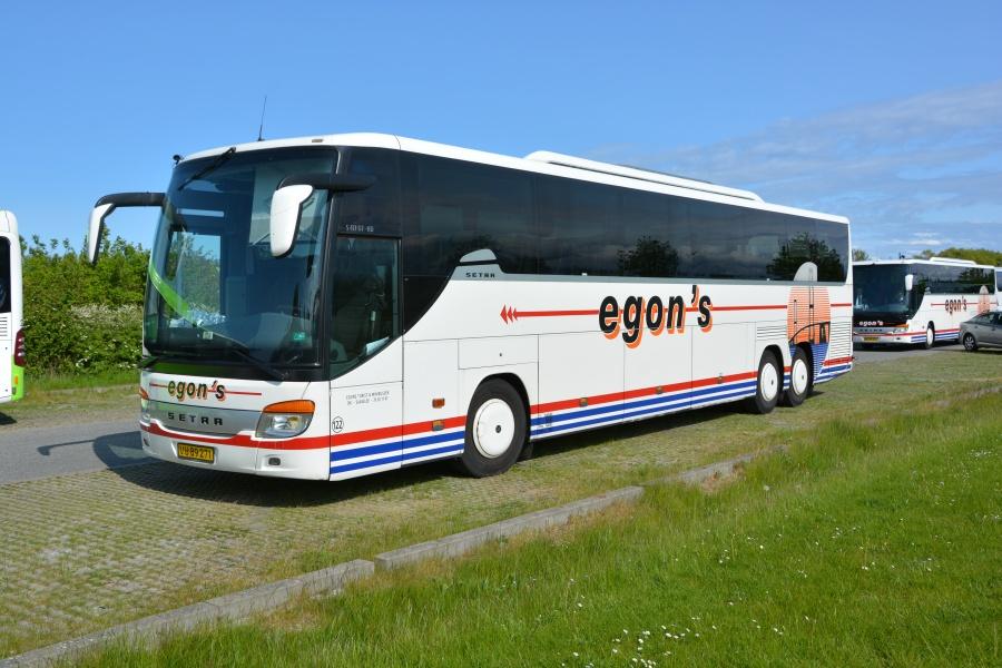 Egons Turist- og Minibusser 122/VU89271 i Nyborg den 14. maj 2016