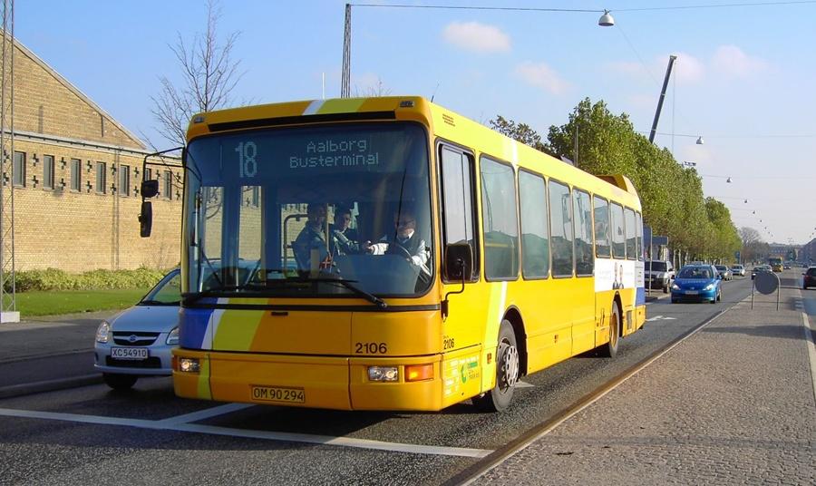 City-Trafik 2106/OM90294 i Aalborg den 28. oktober 2004