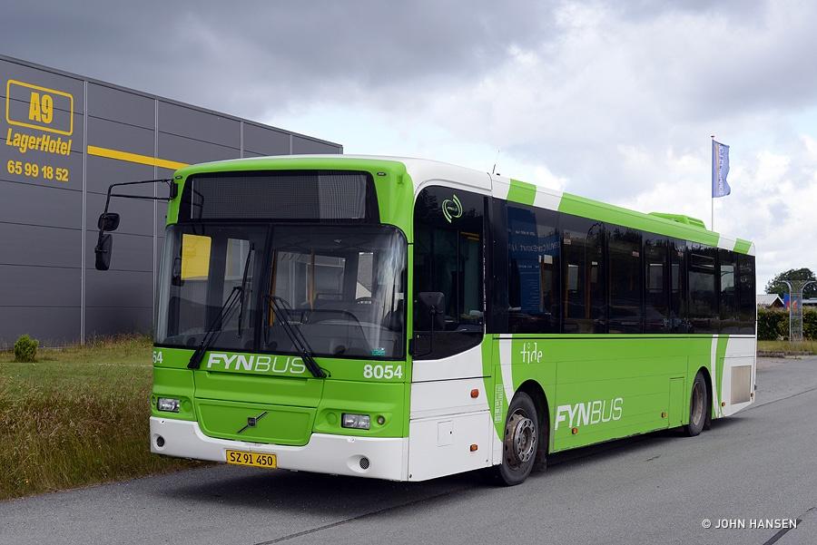 Tide Bus 8054/SZ91450 på Industrivej i Årslev den 3. juli 2017