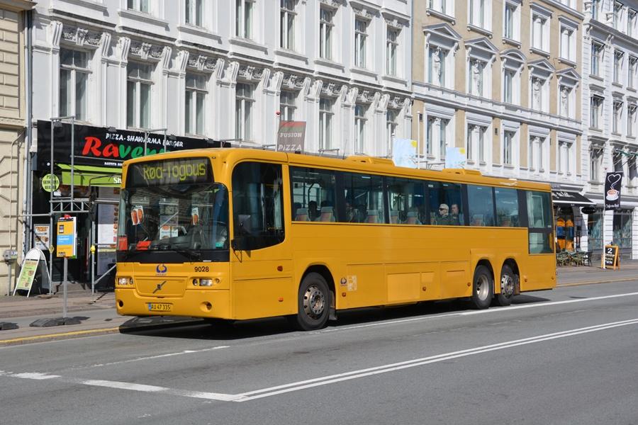 Lokalbus 9028/AU47335 ved Nørreport Station i København den 16. april 2017