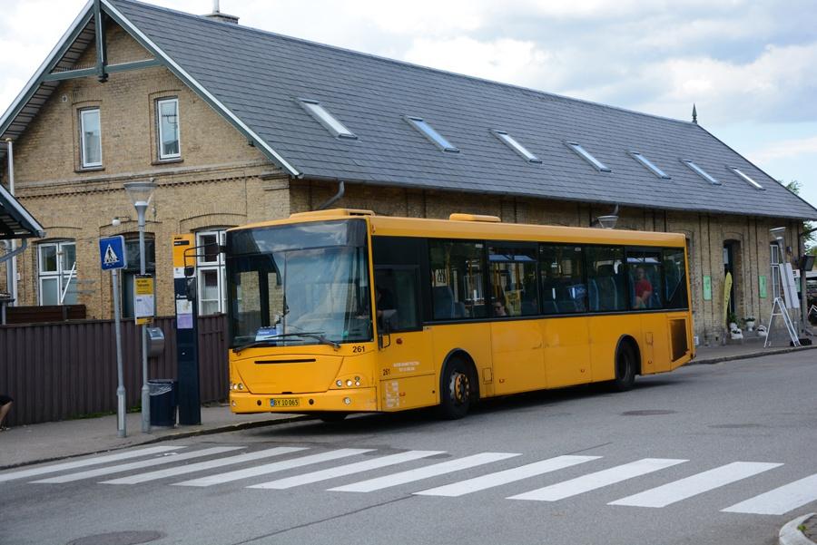 Busselskabet Pletten 261/BY10065 ved Måløv Station den 26. juni 2018