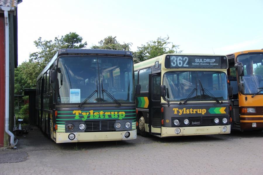 Ex. Tylstrup Busser 18 og 129 på Danmarks Busmuseum i Skælskør den 26. maj 2018