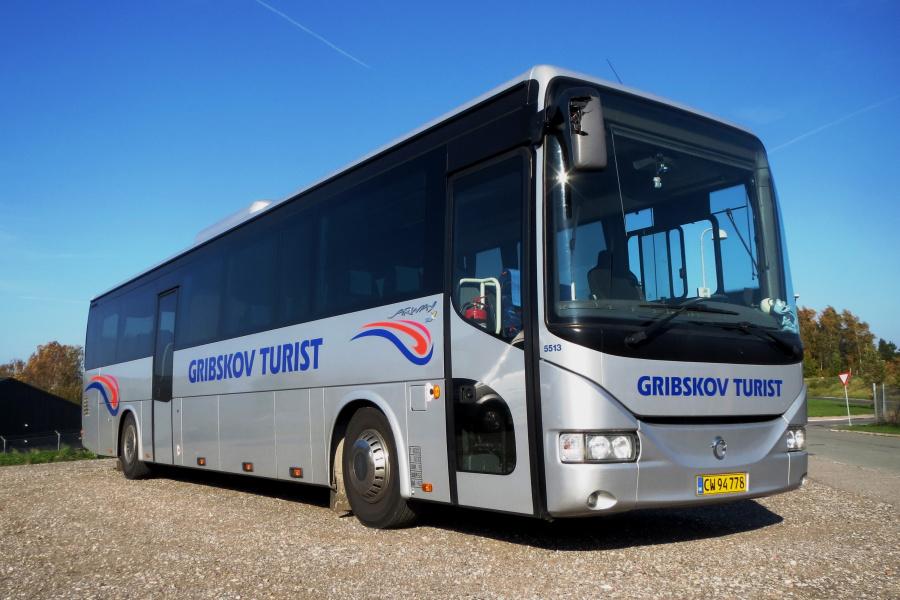 Gribskov Turist 5513/CW94778 ved garagen i Gilleleje den 11. oktober 2018