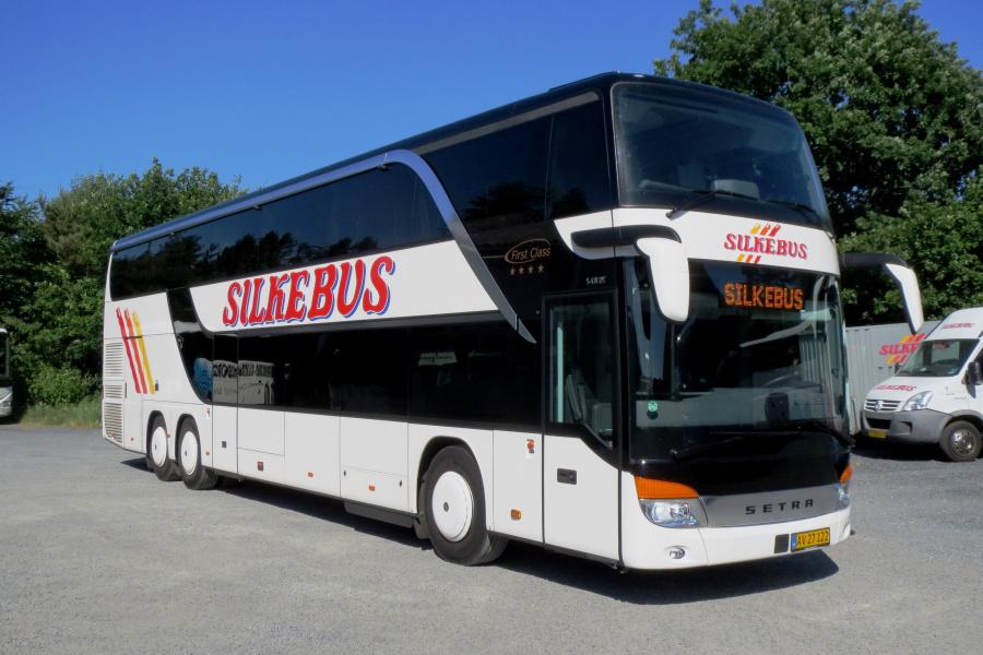 Silkebus 42/AV27122 i Silkeborg den 9. juni 2016