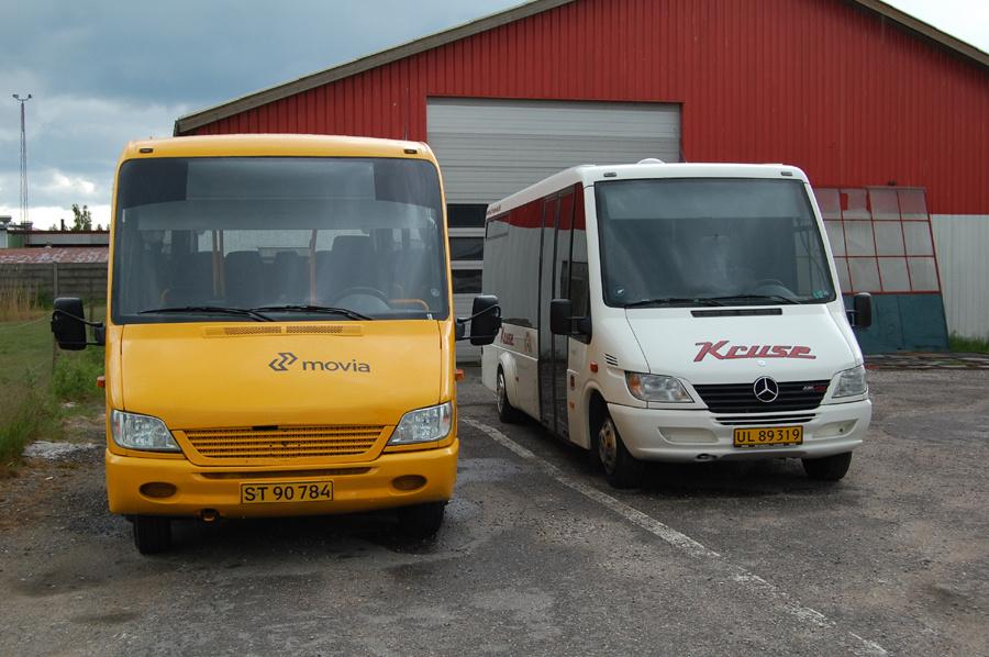Kruse 18/ST90784 og 17/UL89319 på garagepladsen på Skydebanevej i Nakskov den 6 juni 2009