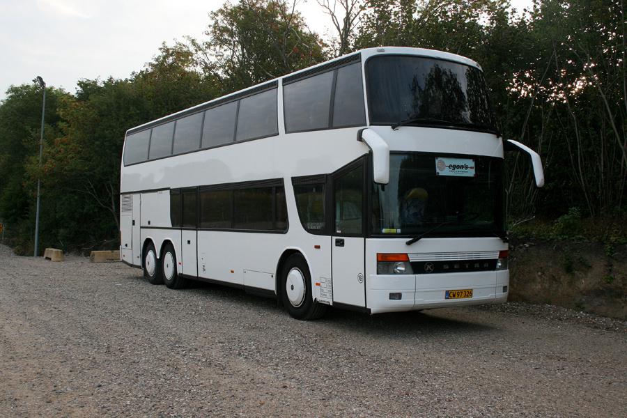 Egons Turist- og Minibusser 169/CW97326 ved Roskilde Vest Station den 22. august 2013