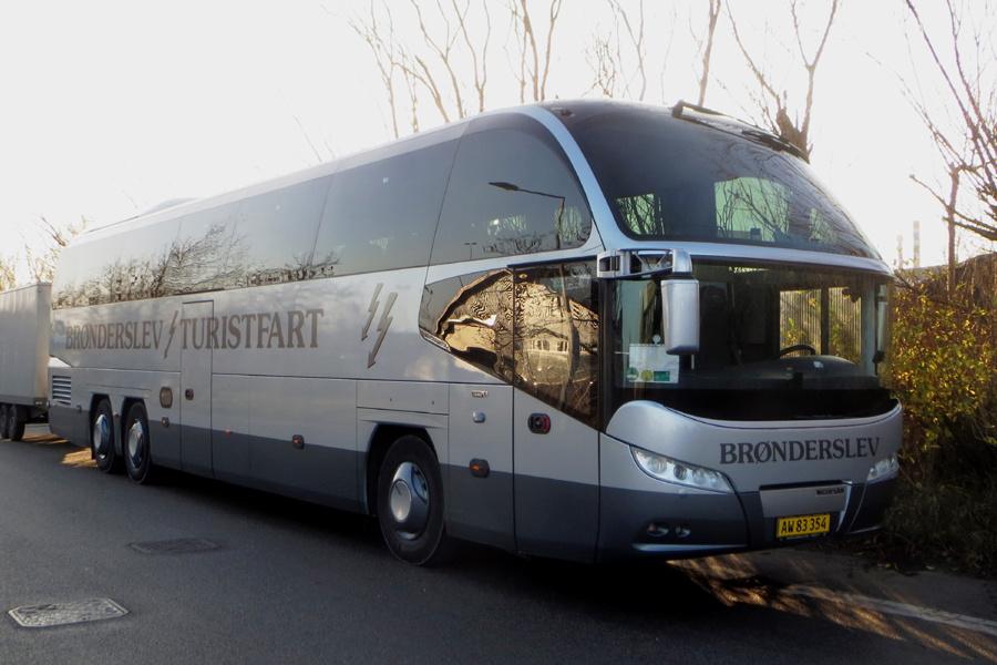 Hirtshals-Hjørring Busservice AW83354 ved garagen i Hirtshals den 16. november 2018