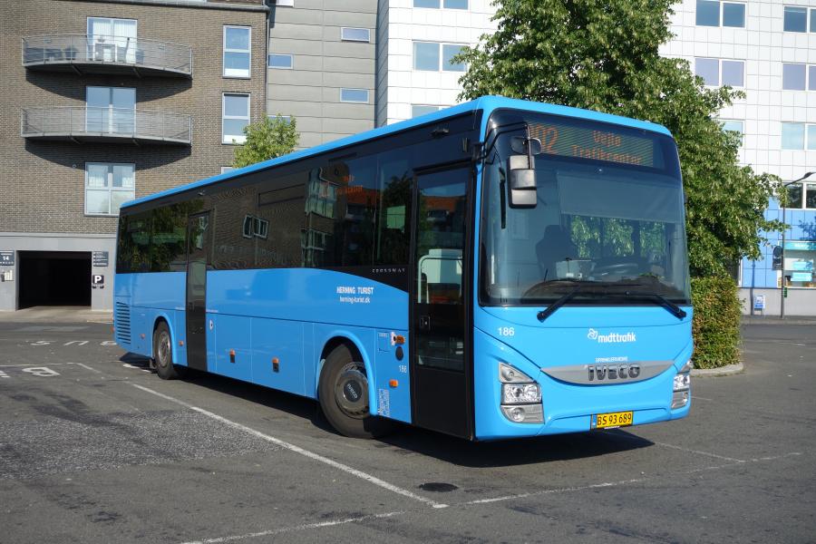Brande Buslinier 186/BS93689 på Vejle Trafikcenter den 13. juli 2018