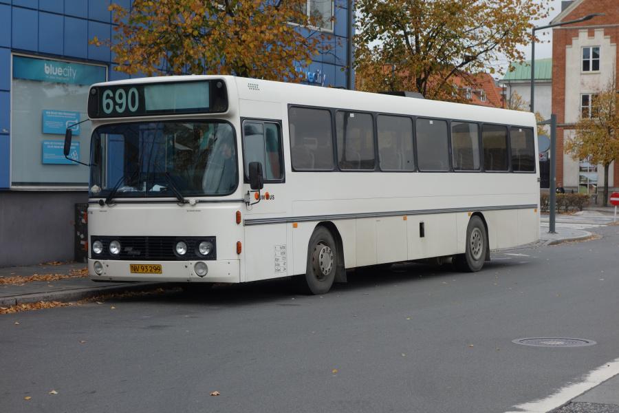 Jumbus NV93299 på Vejle Trafikcenter den 8. oktober 2018