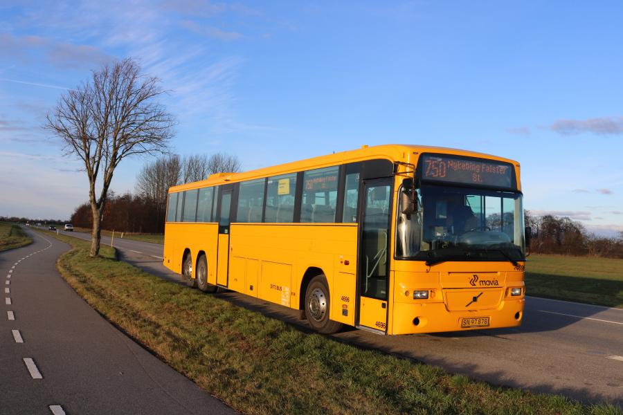 Ditobus 4696/SN97878 på Bjælkerupvej ved Klippinge den 28. november 2018