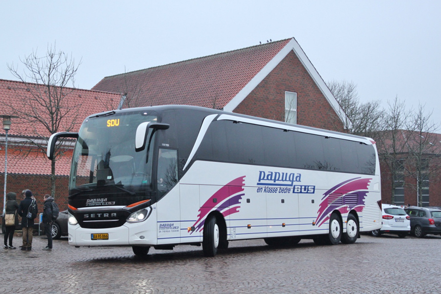Papuga Bus 44/BA95066 på Odinsplads i Ribe den 2. december 2018