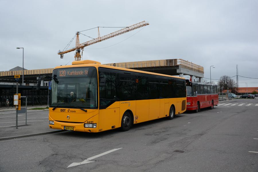 Lokalbus 4421/CW89174 ved Køge Station den 8. april 2017