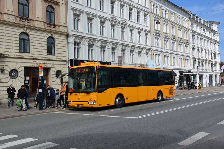 Lokalbus 4435/CW89219 ved Nørreport Station i København den 16. april 2017