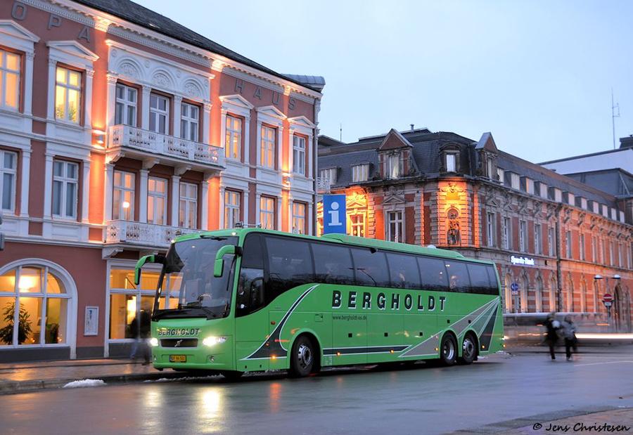 Bergholdt DF96501 ved ZOB i Flensburg i Tyskland den 4. december 2012