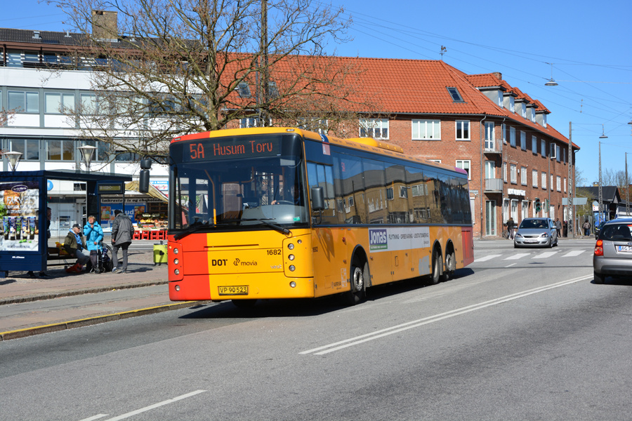 Arriva 1682/VP90523 på Husum Torv den 22. april 2017