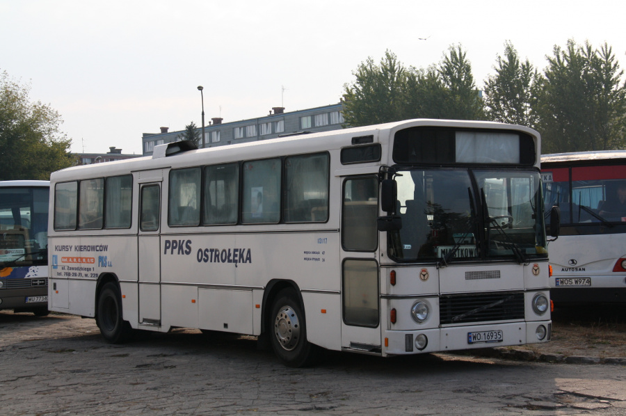 PKS Ostroleka 02017/WO16935 i Ostroleka i Polen den 4. oktober 2011