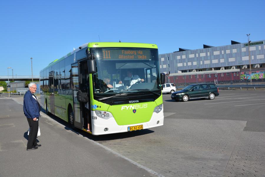 Tide Bus 8339/BC82458 ved Odense Banegårdscenter den 27. maj 2017