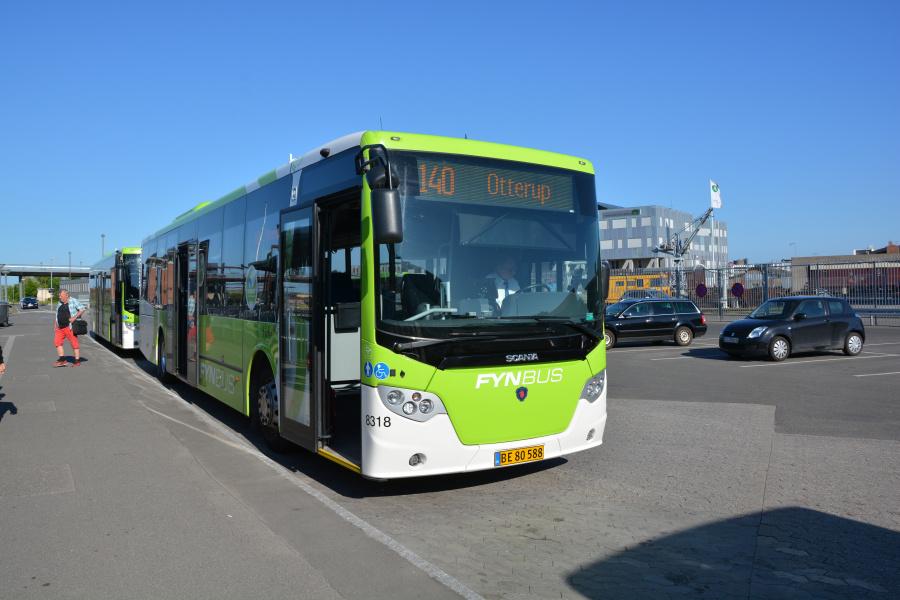 Tide Bus 8318/BE80588 ved Odense Banegårdscenter den 27. maj 2017