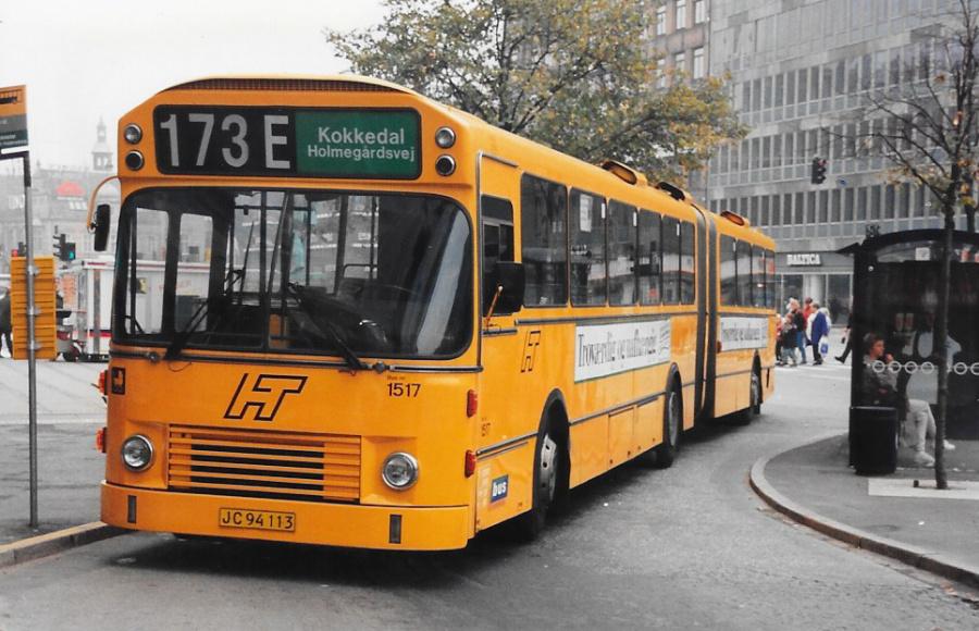 Bus Danmark 1517/JC94113 ved Rådhuspladsen den 17. oktober 1995