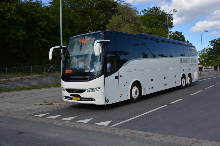 Skovlunde Busser 16/BB80352 på Snekkersten Station den 4. juli 2017