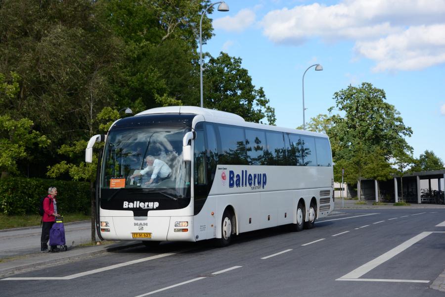 Ballerup Turistfart 2/TT91627 på Snekkersten Station den 4. juli 2017