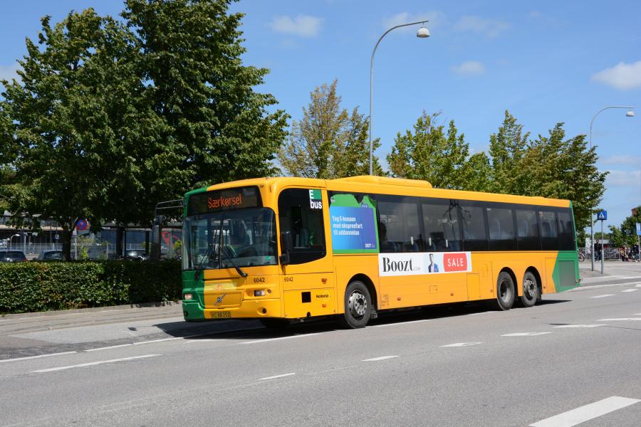 Nobina 6042/XC88252 ved Roskilde Station den 27. juni 2017