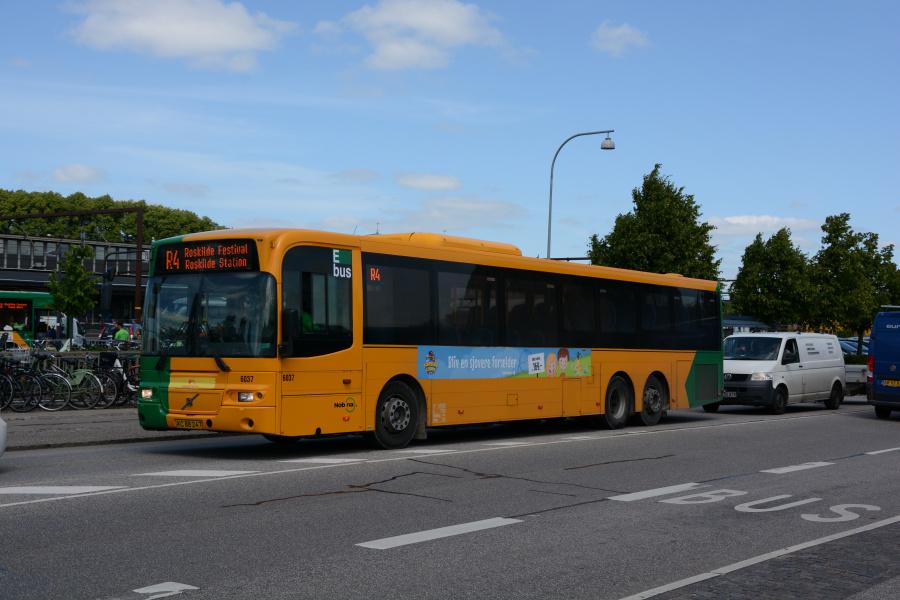 Nobina 6037/XC88247 ved Roskilde Station den 27. juni 2017