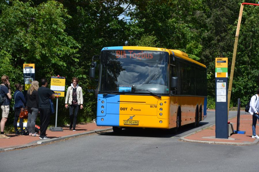 Arriva 1678/VP90490 på Espergærde Station den 26. juni 2017