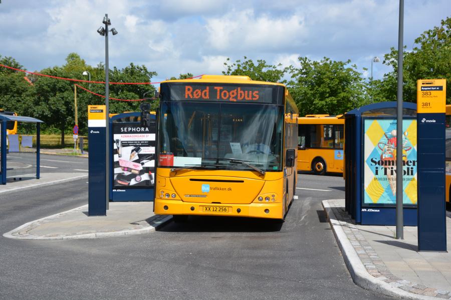 Bustrafikken.dk 002/XX12256 ved Rungsted Kyst Station den 26. juni 2017