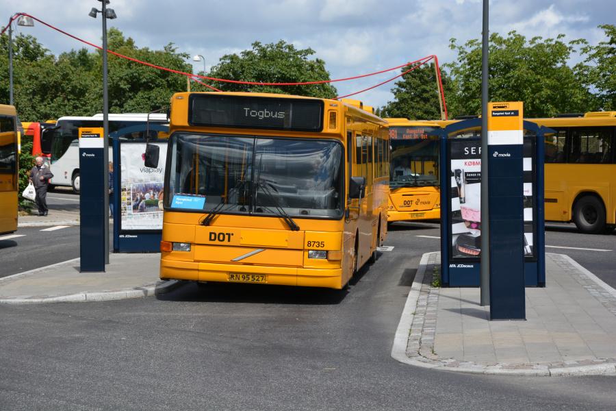 Umove 8735/RN95527 på Rungsted Kyst Station den 26. juni 2017