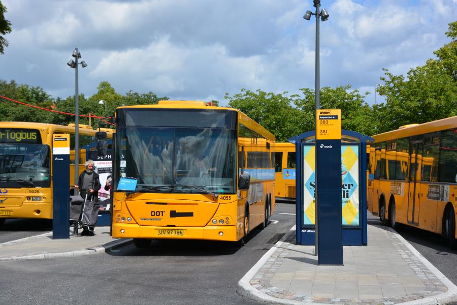 De Blaa Omnibusser 4055/UV97386 på Rungsted Kyst Station den 26. juni 2017