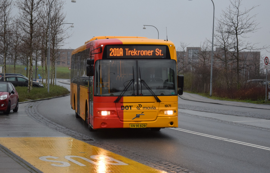 Arriva 1971/XN90829 på Trekroner Centervej i Trekroner den 27. december 2018