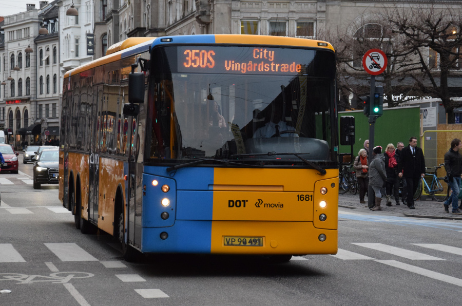 Arriva 1681/VP90491 på Kongens Nytorv i København den 28. december 2018