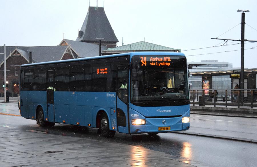 Arriva 2284/UM93381 på Havnegade i Århus den 28. januar 2019