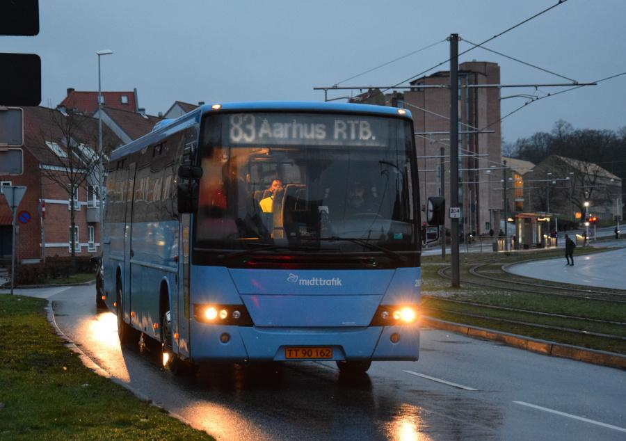 Arriva 2895/TT90162 på Nørrebrogade i Århus den 28. januar 2019