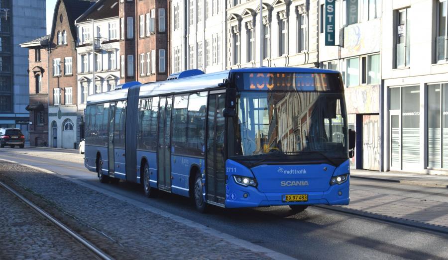 Arriva 2711/BX97483 på Havnegade i Århus den 29. januar 2019