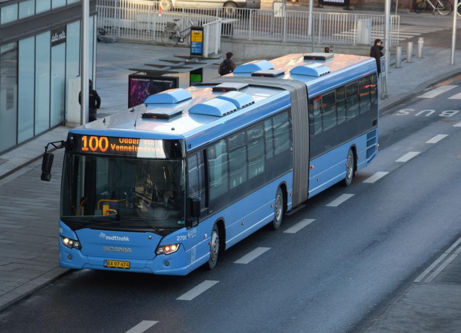 Arriva 2705/BX97474 på Havnegade i Århus den 29. januar 2019
