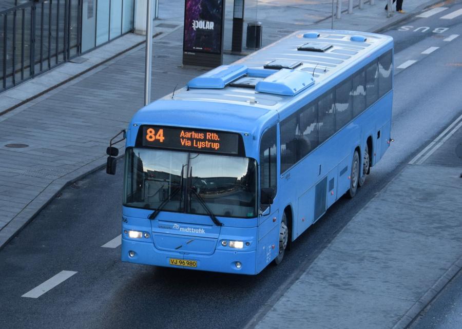 Arriva 2766/VJ96980 på Havnegade i Århus den 29. januar 2019