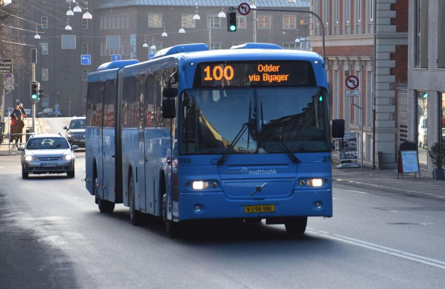 Arriva 2769/VJ96981 på Sønder Allé i Århus den 29. januar 2019