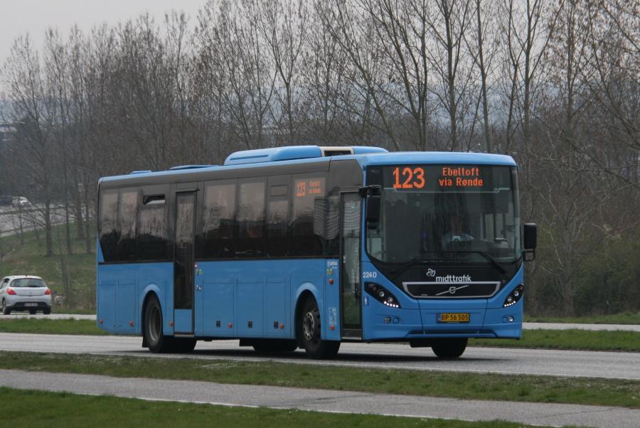 Arriva 2240/BP56505 på Grenåvej i Egå den 7. april 2019