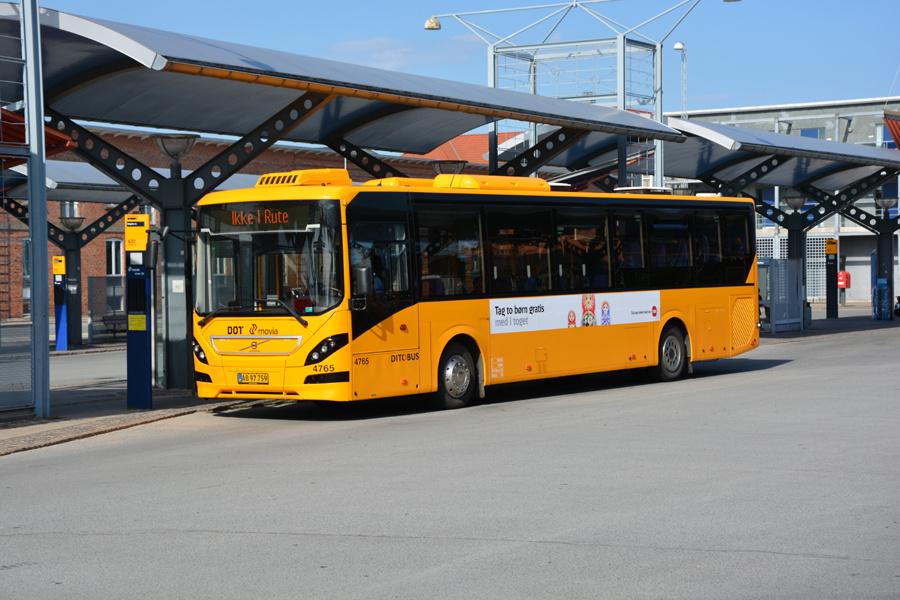 Ditobus 4765/AB97759 ved Slagelse Station den 15. juli 2017