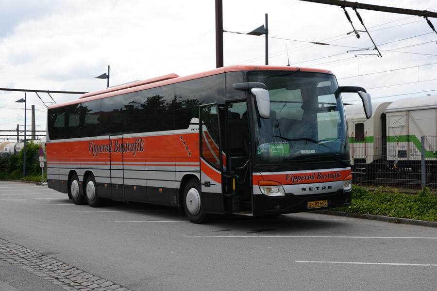 Vipperød Bustrafik UK93605 ved Roskilde Station den 26. juli 2017