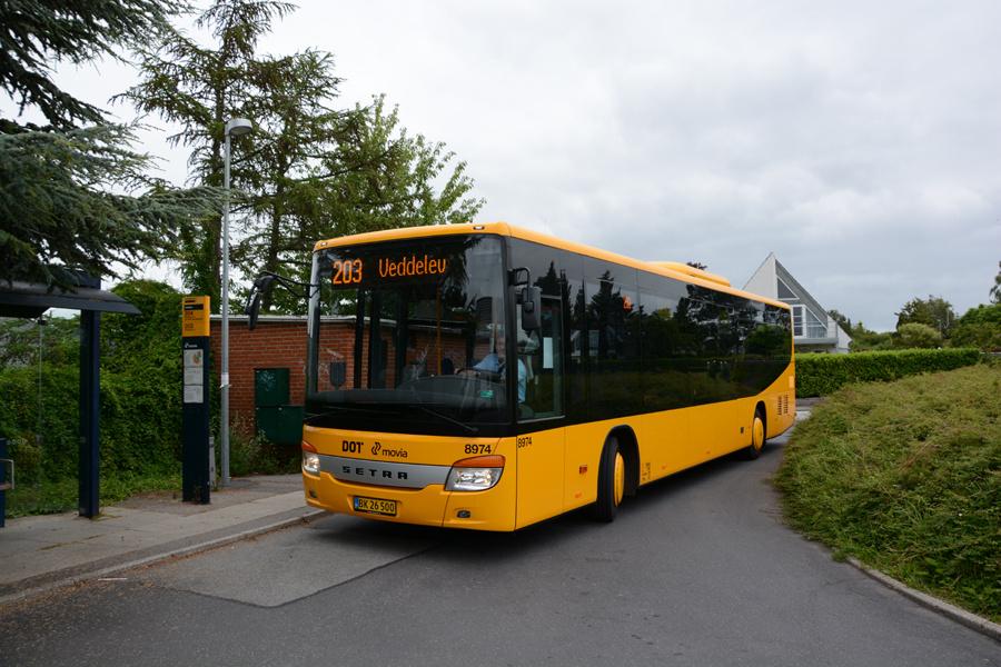 Arriva 8974/BK26500 i Veddelev den 18. juli 2017